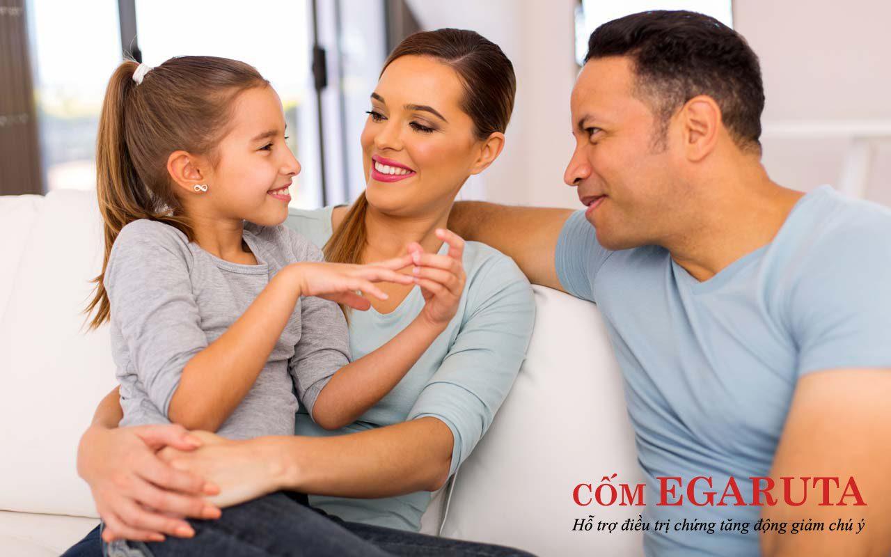"""Cha mẹ nên """"buôn"""" chuyện với trẻ tăng động chậm nói nhiều hơn"""